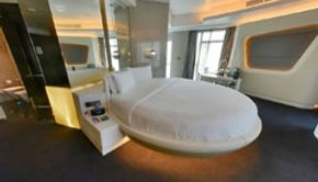 Round bed deluxe suite-Bedroom