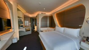 King deluxe room with canal view-Bedroom - 1