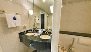 Executive Suite-Bathroom