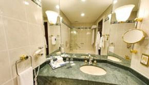 Premium Room - King Bed-Bathroom