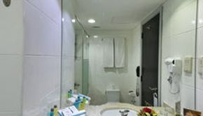 Twin Room -Bathroom