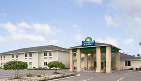 DAYS INN SUITES DUNDEE