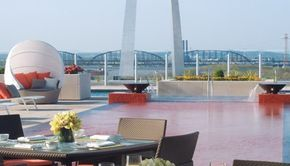 FOUR SEASONS HOTEL ST LOUIS