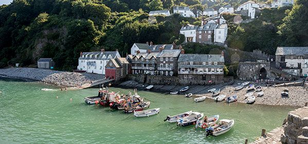 Devonshire fishing harbor in Clovelly
