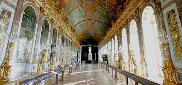 The Mirror Gallery