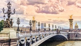 Top Bridges to visit in Paris