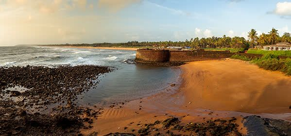 Things to do in Goa - Aguada Beach