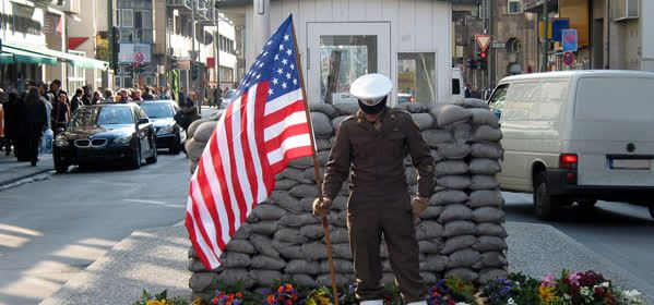 Things to do in Berlin - Checkpoint Charlie