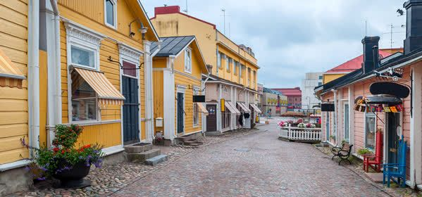 Things to do in Porvoo - Colored old street