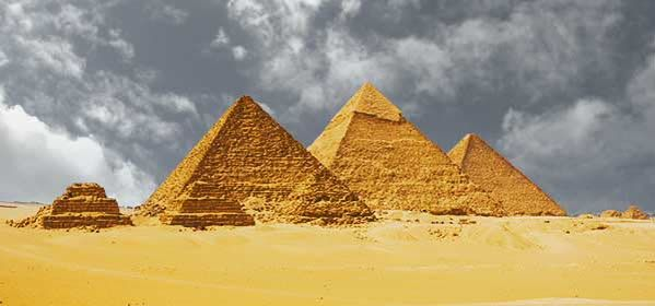 Things to do in Giza - Egyptian Pyramids