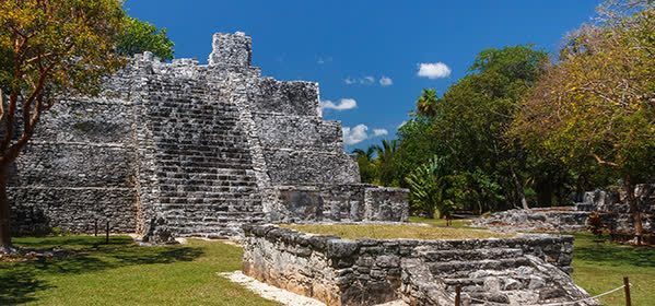 Things to do in Cancun - El Meco Archaeological Site