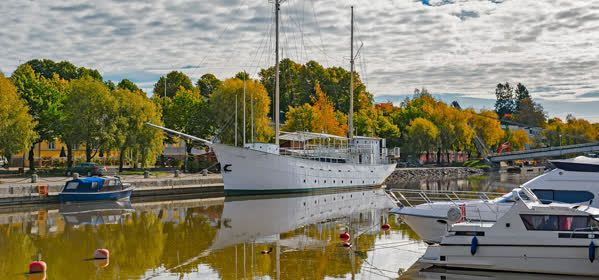 Things to do in Porvoo - Embankment of Porvoonjoki River