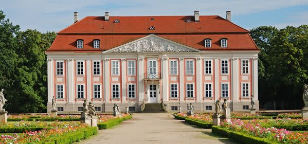 Things to do in Berlin - Friedrichsfelde Castle