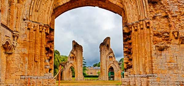 Things to do in Somerset - Glastonbury Abbey