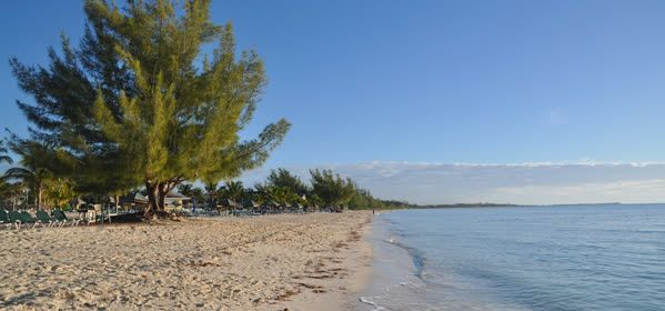 Things to do in Grand Bahama - Gold Rock Beach
