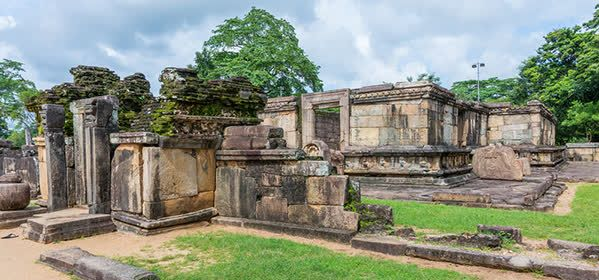 Things to do in Polonnaruwa - Hatadage