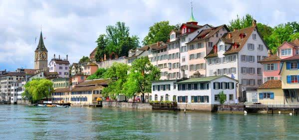 Things to do in Zurich - Lindenhof hill
