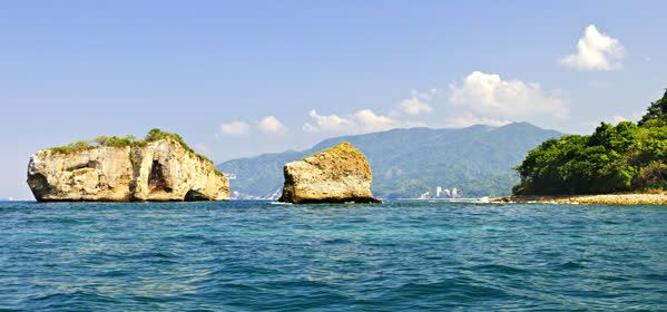 Things to do in Puerto Vallarta - Marino Los Arcos Park