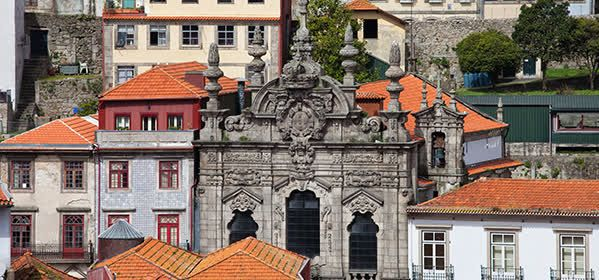 Things to do in Porto - Misericordia Church