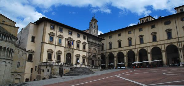 Things to do in Arezzo - Palazzo delle Logge