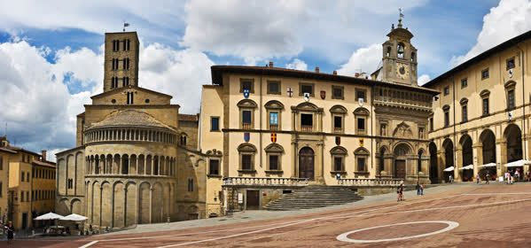 Things to do in Arezzo - Piazza Grande