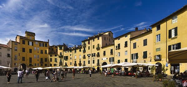 Things to do in Lucca - Piazza dell' Anfiteatro (Roman Amphitheater)
