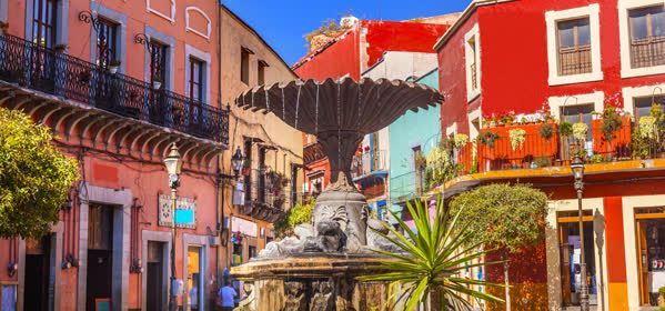 Things to do in Guanajuato - Plaza Del Baratillo