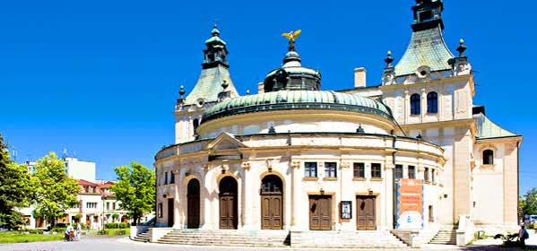 Things to do in Brno - Reduta Theatre