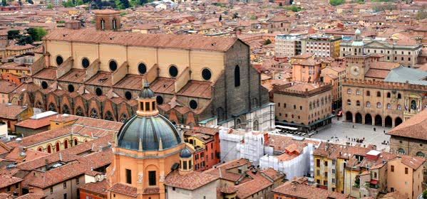 Things to do in Bologna - San Petronio Basilica