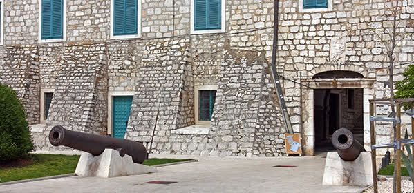 Things to do in Šibenik - The Count's Palace