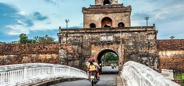Things to do in Hue - The Palace Gate, Imperial Palace Moat
