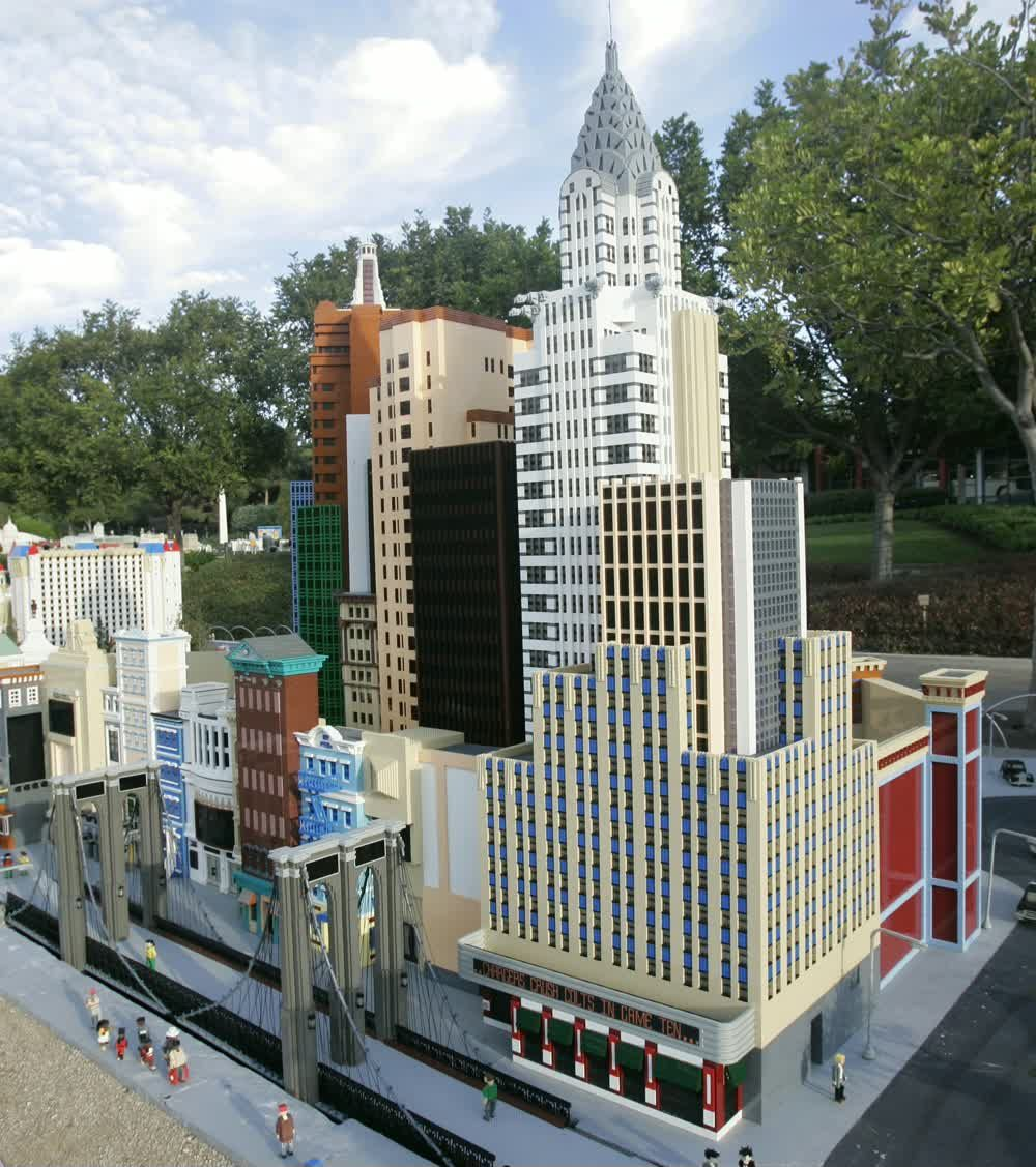 title: Tall Towers and Landmarks of California Made of legos