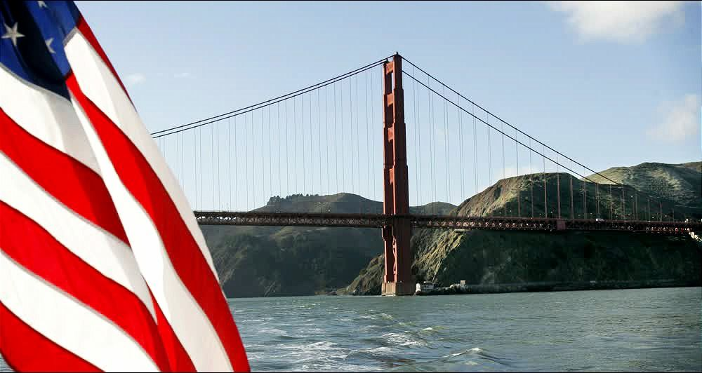 title: Attractive Golden Gate Bridge