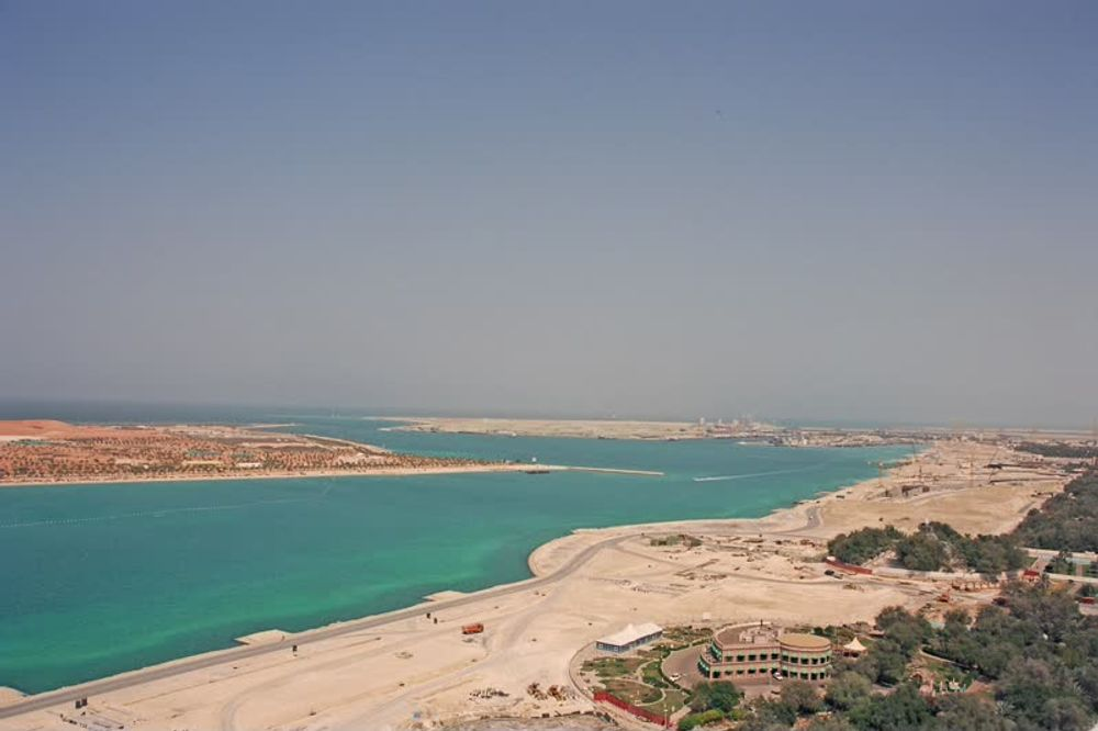 title: Lovely Turquoise Sea of Abu Dhabi