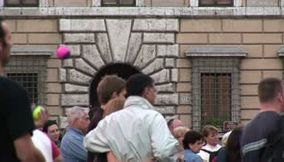 title: Piazza Navona street performers