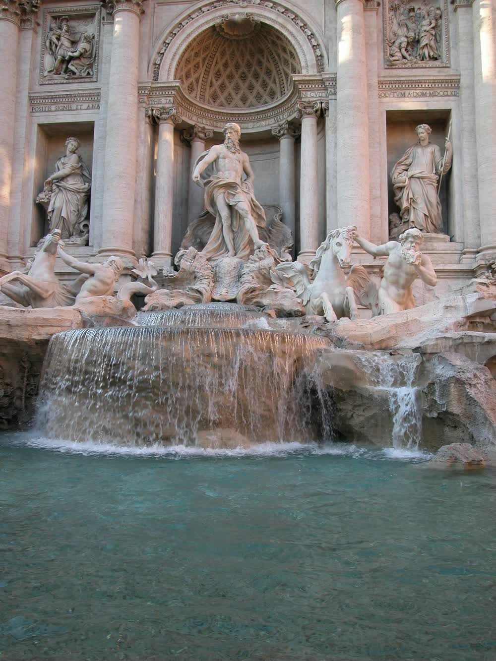 title: Neptune Statue on the Fontana di Trevi in Roma