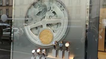 title: Vitrine IWC Watch in Paris