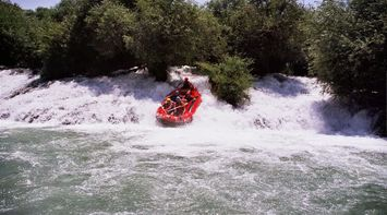 title: Rafting experience in El Assi River