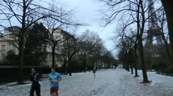 Paris Jogging on the Snow around the Tour Eiffel