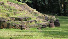 title: Early Mayan tomb uncovered in Takalik abaj Guatemala