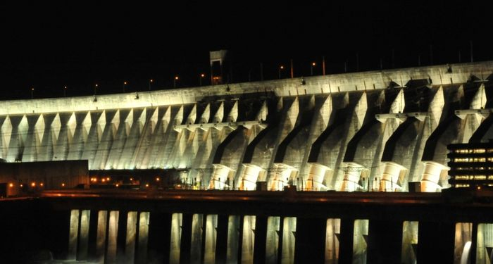 title: Itaipu noche Paraguay