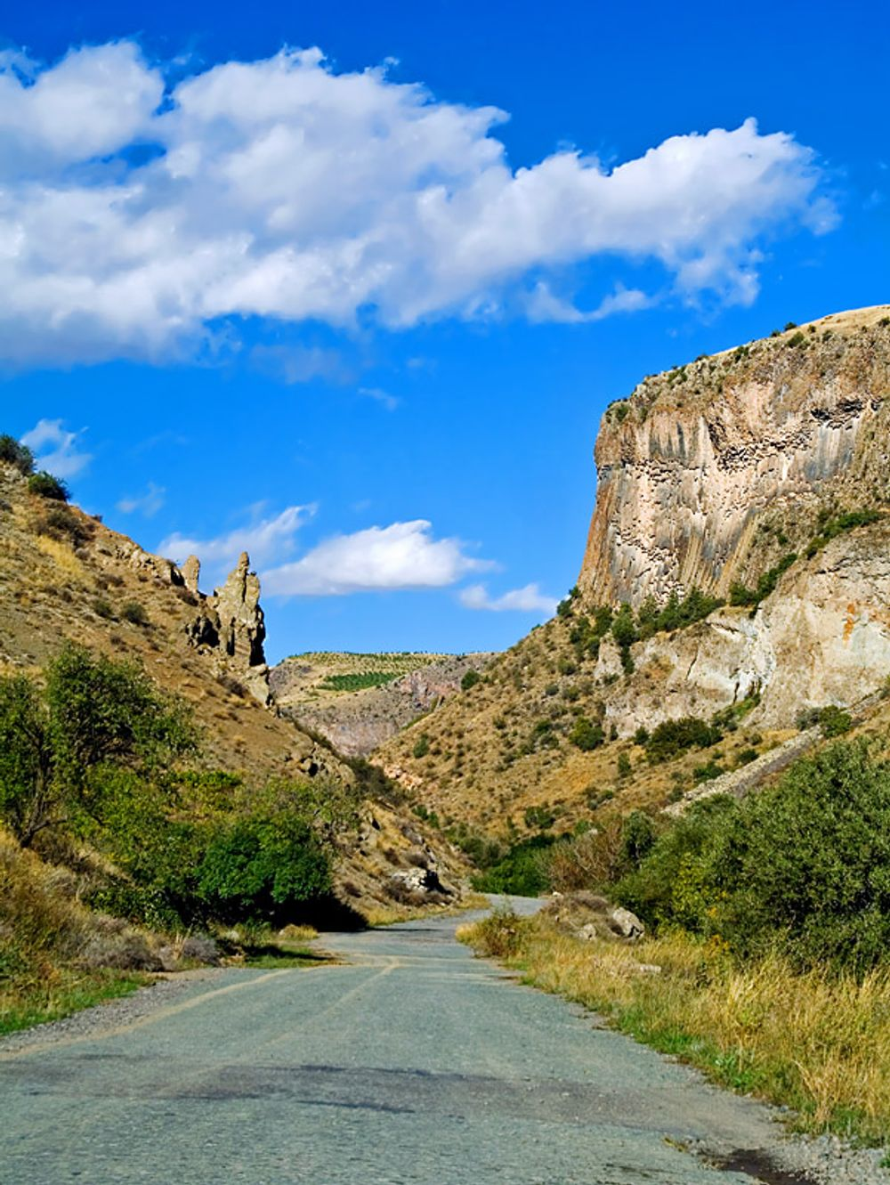 title: Road to Gndevank Armenia