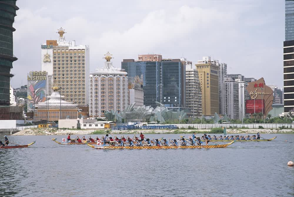 title: The international dragon boat race Macau