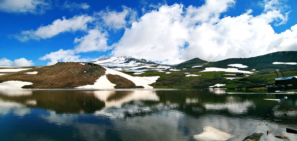 title: White Aragats lake Armenia
