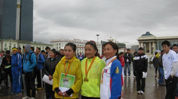 title: Winners taking photo Marathon Mongolia