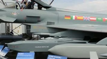 title: Avion de chasse Eurofighter Salon du Bourget 2013