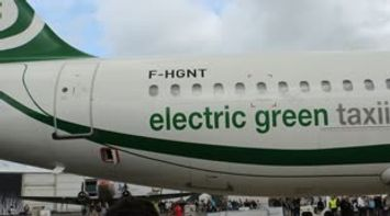 Electric Green Taxiing System Salon du Bourget 2013