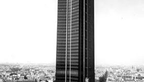 Black and White Picture of Montparnasse 56