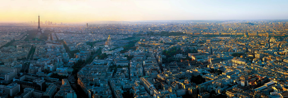 title: Extraordinary Panoramic View of Paris from Tour Montparnasse
