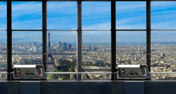 title: The Interior of the Tour Montparnasse Sightseeing Room